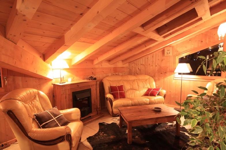 location chalet mustang morzine avoriaz salle manger coin lecture chalet morzine. Black Bedroom Furniture Sets. Home Design Ideas